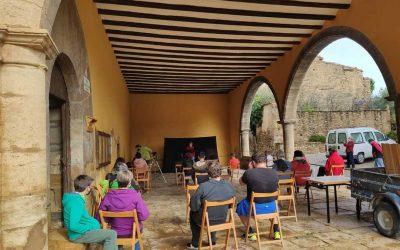 Mirambel reflexiona sobre los nuevos pobladores con una actuación teatral